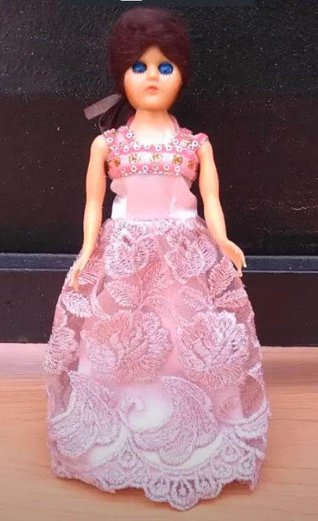 kerajinan baju boneka barbie dari kain perca 2021
