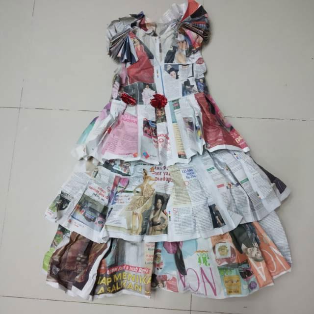kerajinan baju dari koran untuk anak yang mudah 2021