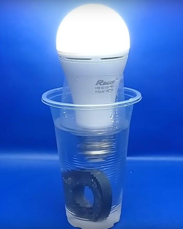 kerajinan lampu dari magnet dan air garam 2021