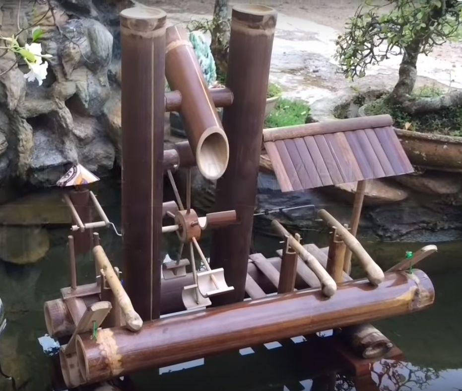 Cara Membuat Miniatur Kincir Air dari Bambu Yang Bikin Kolammu terlihat Keren!