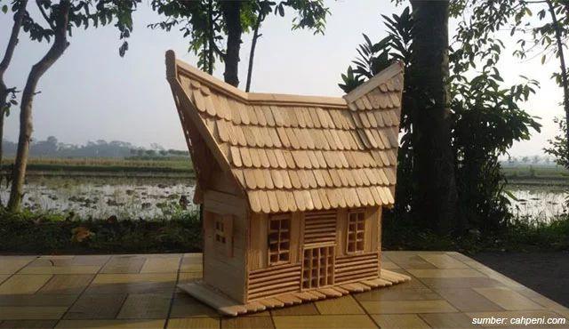 miniatur rumah gadang 2021