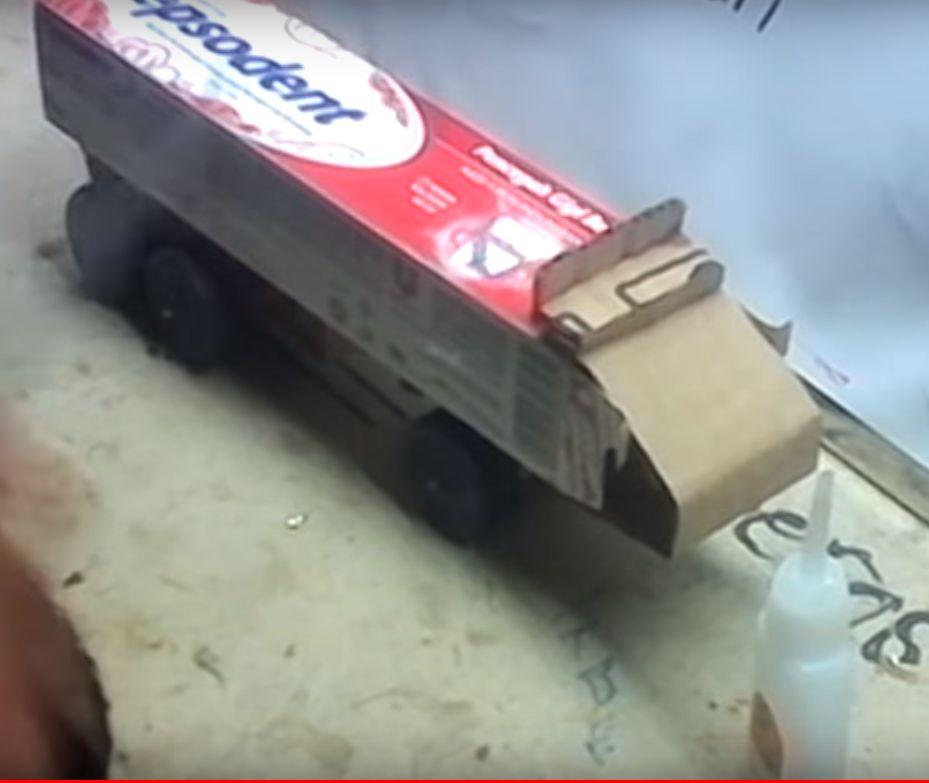 truk sederhana dari kardus odol 2020